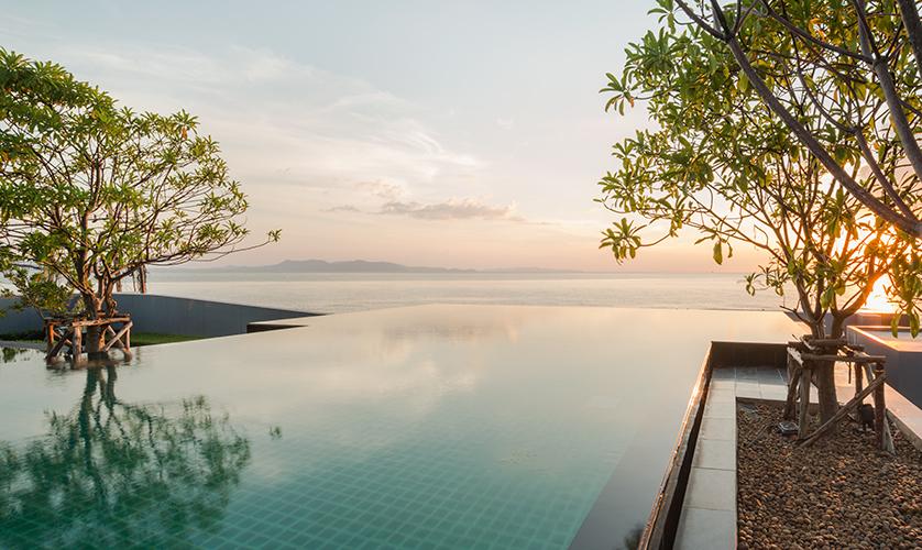 Reflection-Jomtien-Pattaya-fac5